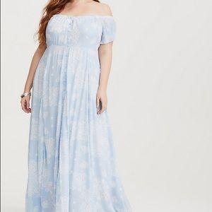 NWT Torrid Light Blue & White Paisley Maxi Dress